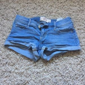 Hollister, Low Rise, Light Wash Jean Shorts